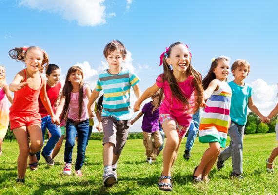5 claves para que un niño crezca feliz en casa