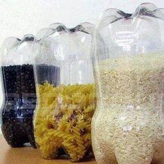 Botes de plástico con despensa