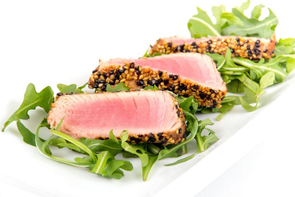 Receta de atún en costra de amaranto con salsa