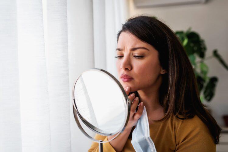 Cómo evitar imperfecciones por el cubrebocas